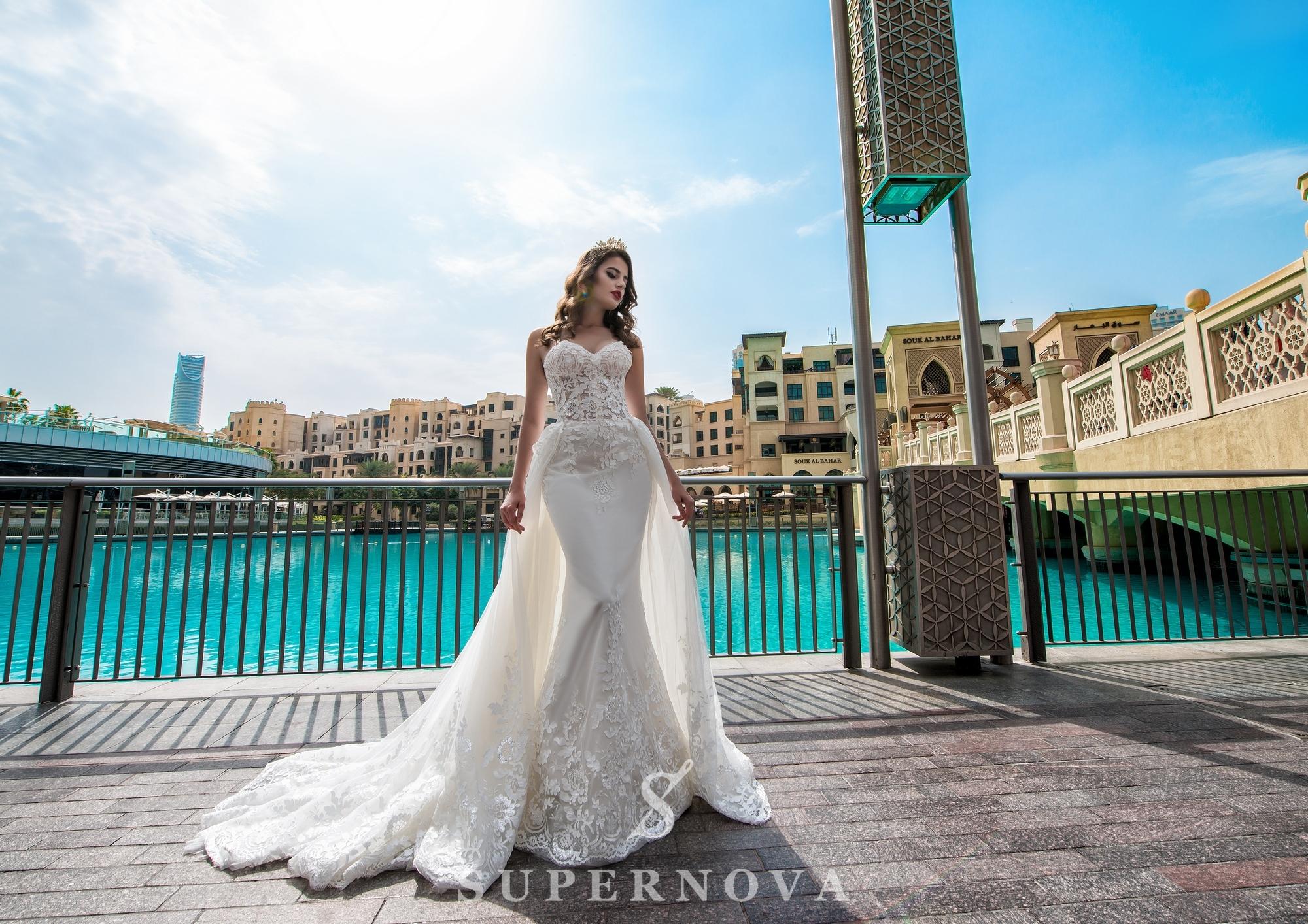 Свадебное платье со съёмным шлейфом-1