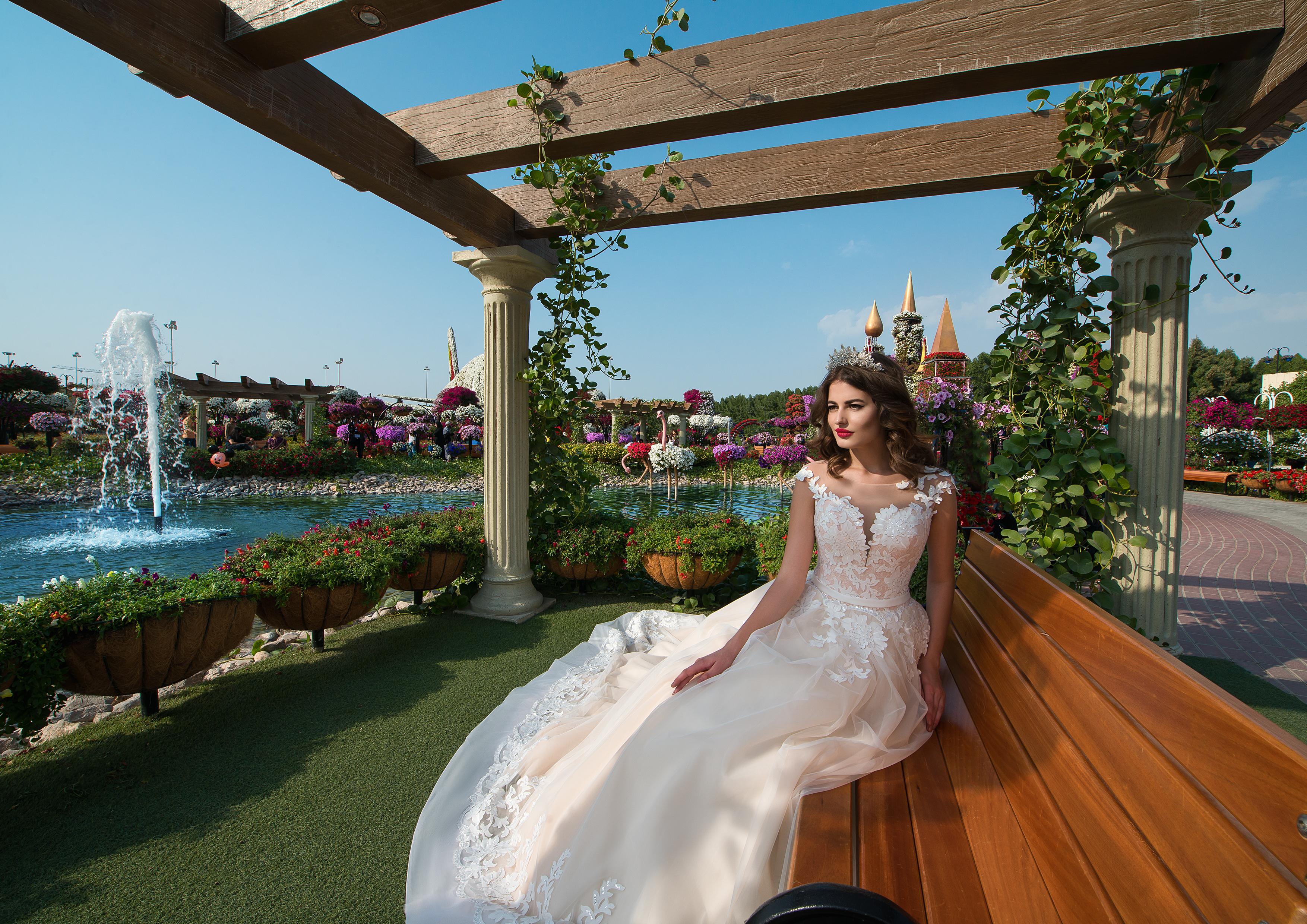 Wedding dress with a belt-1