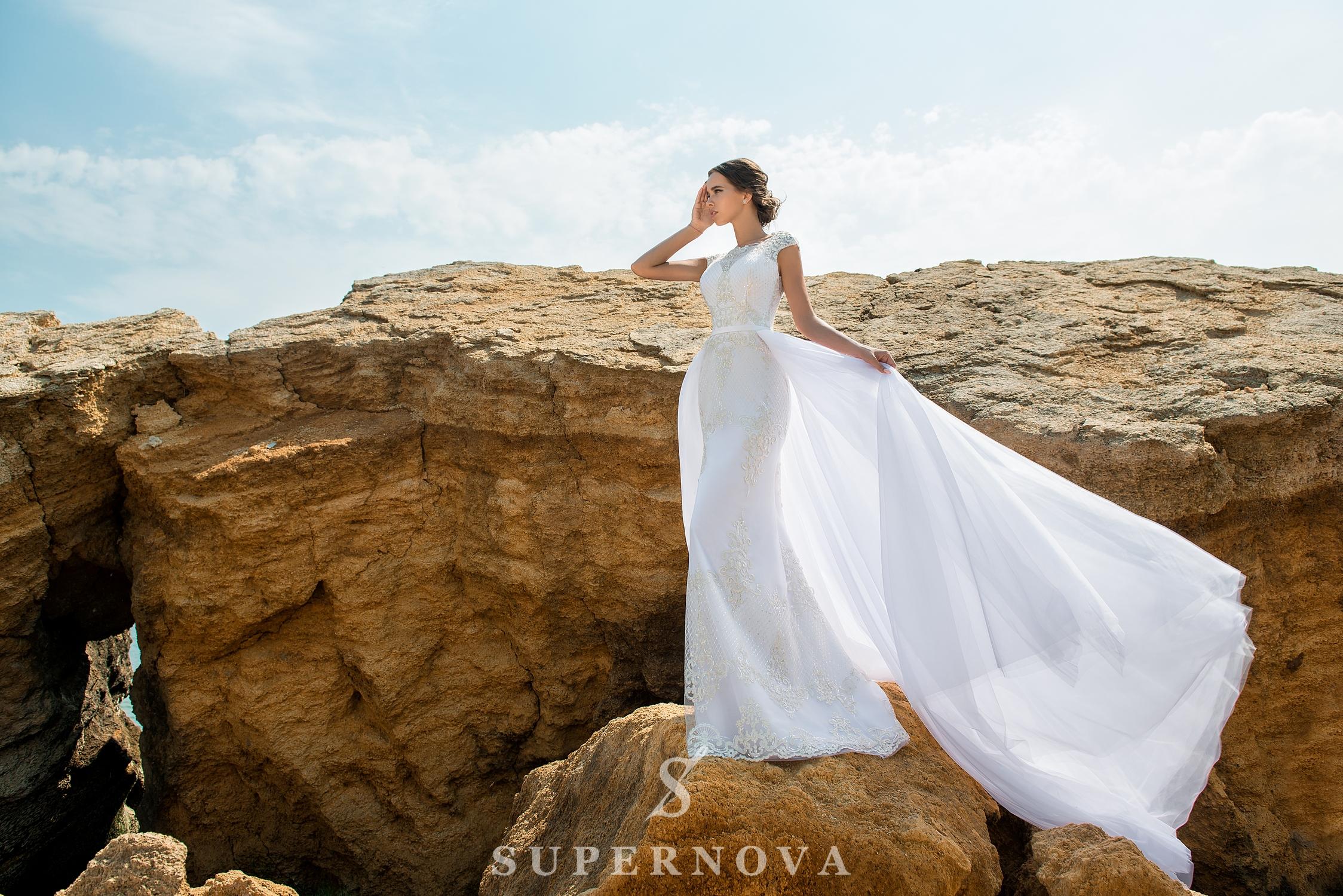 Set de nuntă cu rochia siluetă a