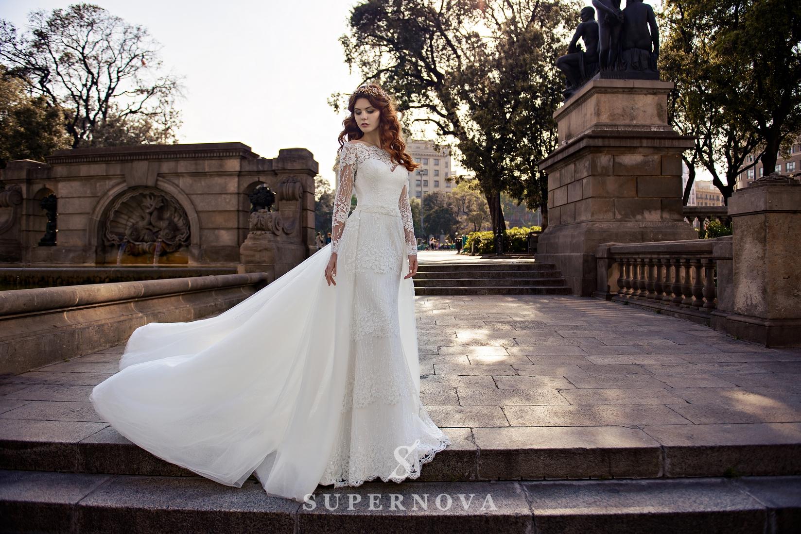 Весільна гіпюрова сукня зі знімним шлейфом від SuperNova оптом-1