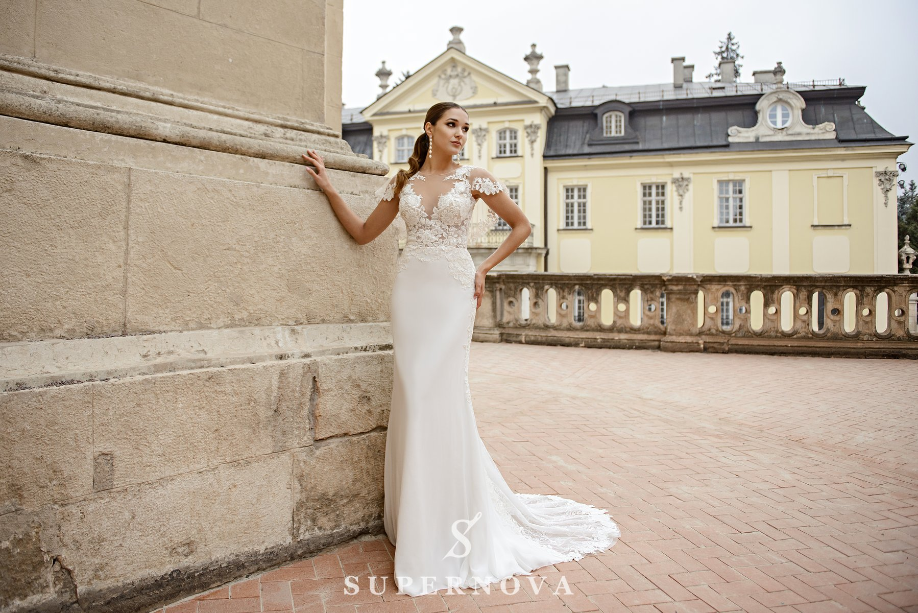 Wedding dress in godet style  with a soft skirt on wholesale from SuperNova-1