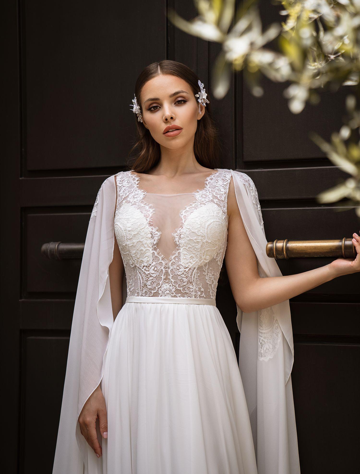 Свадебное плтаье с рукавами-накидками