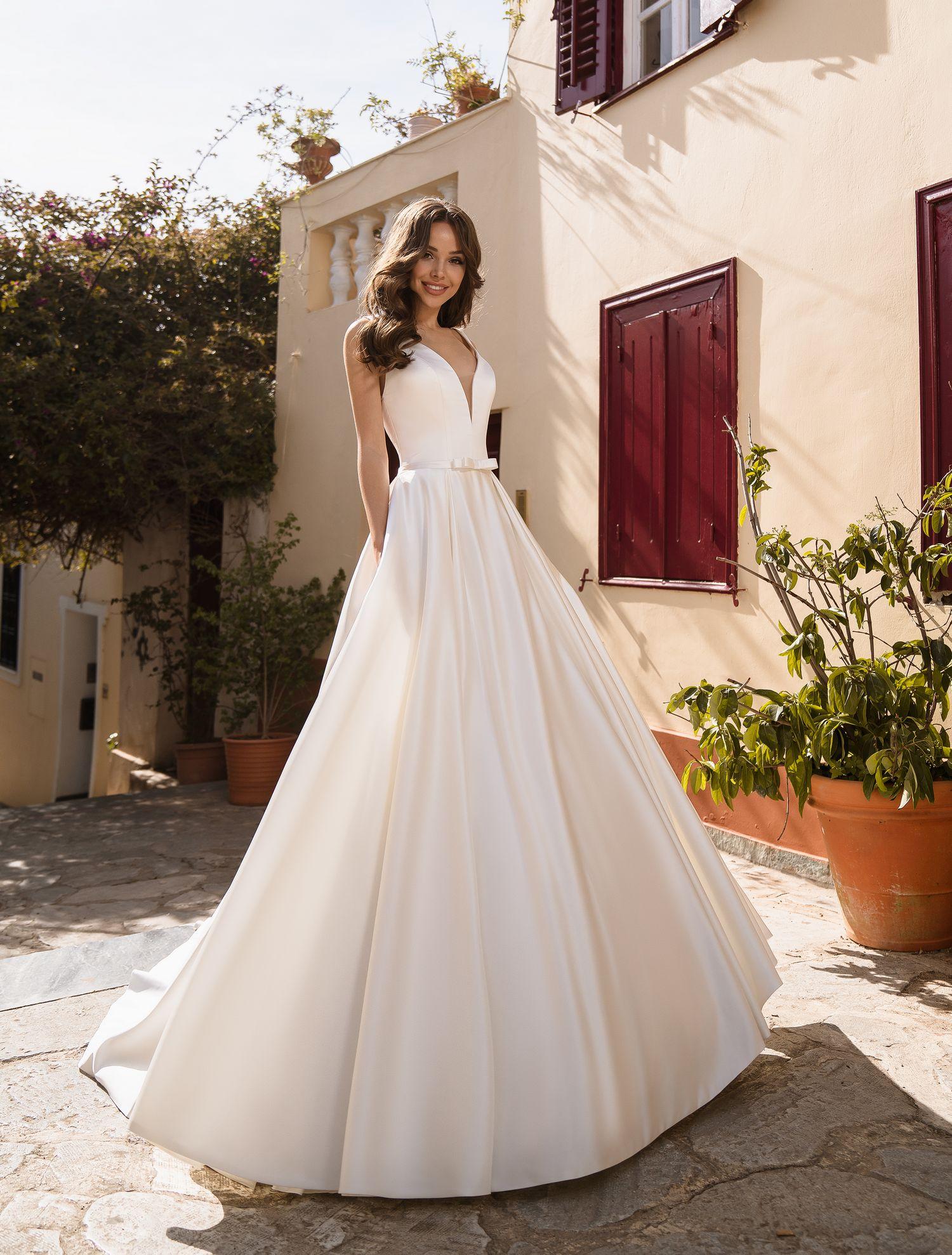 Весільна сукня із королівського атласу від виробника Supernova оптом-1