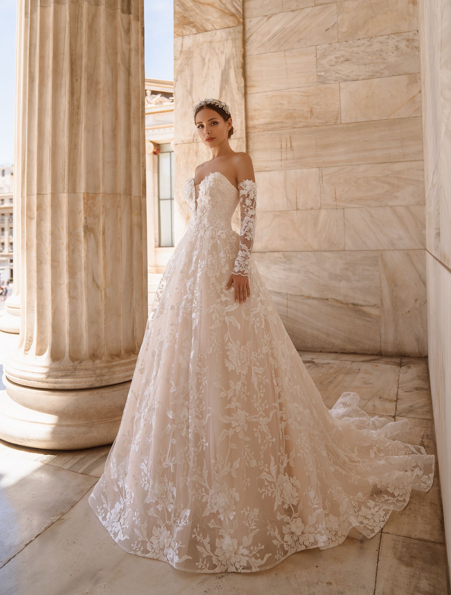 Off-the-shoulder wedding dress from manufacturer Supernova wholesale-1