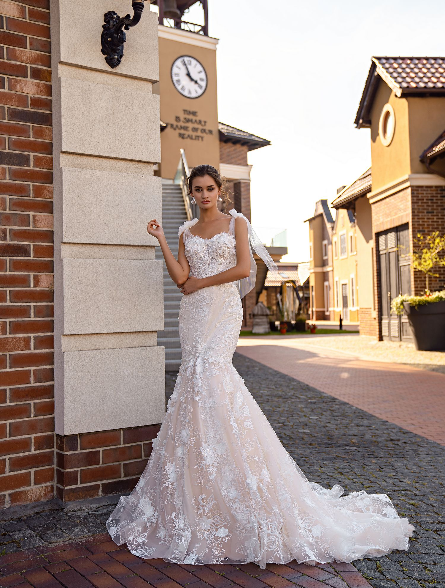 Wedding dress fishtail on ties-bows from Supernova-1