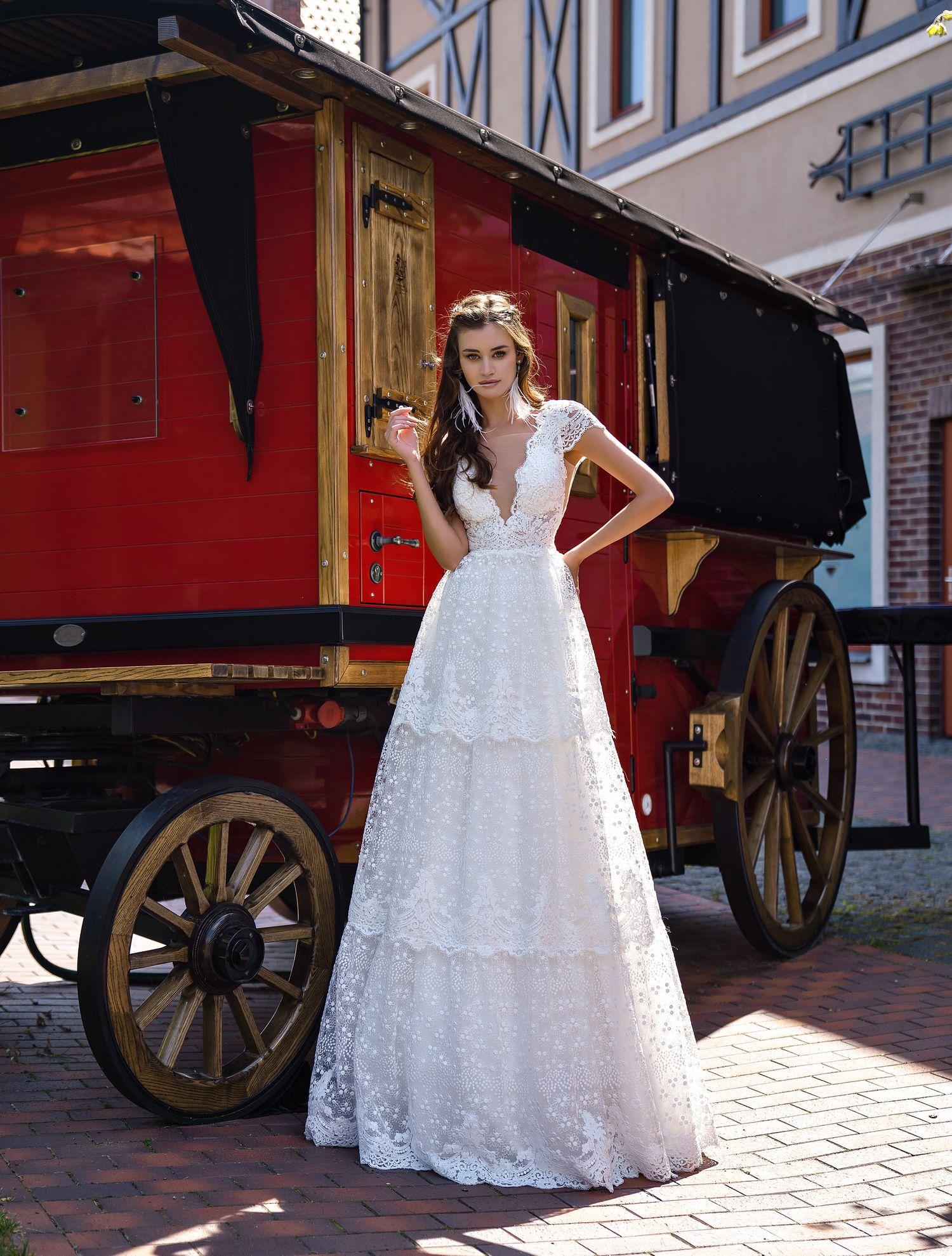 """O rochie de mireasă romantică  în stilul """"boho"""" en-gros de la Supernova-1"""