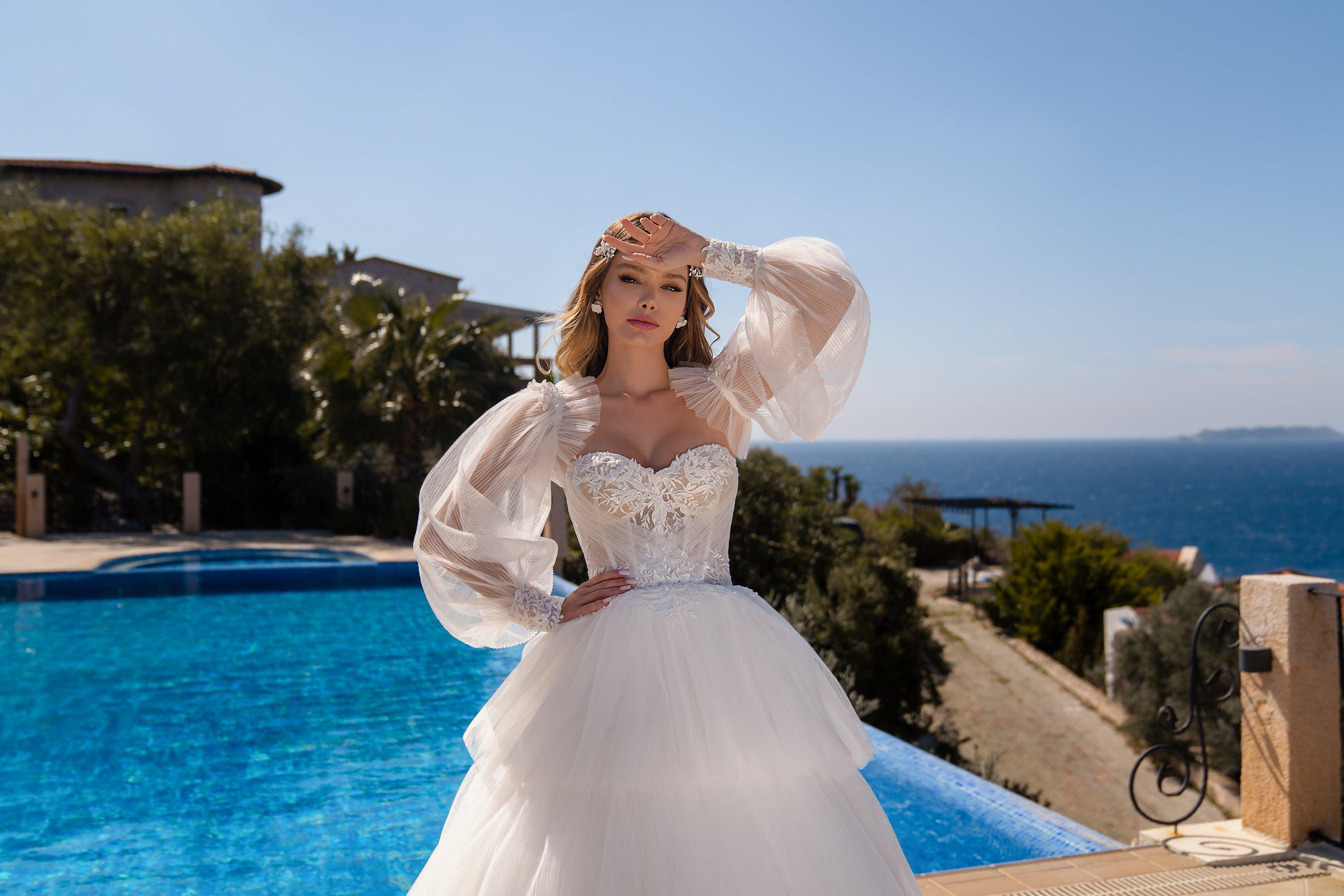 Весільна сукня з пишною спідницею оптом від Supernova-1