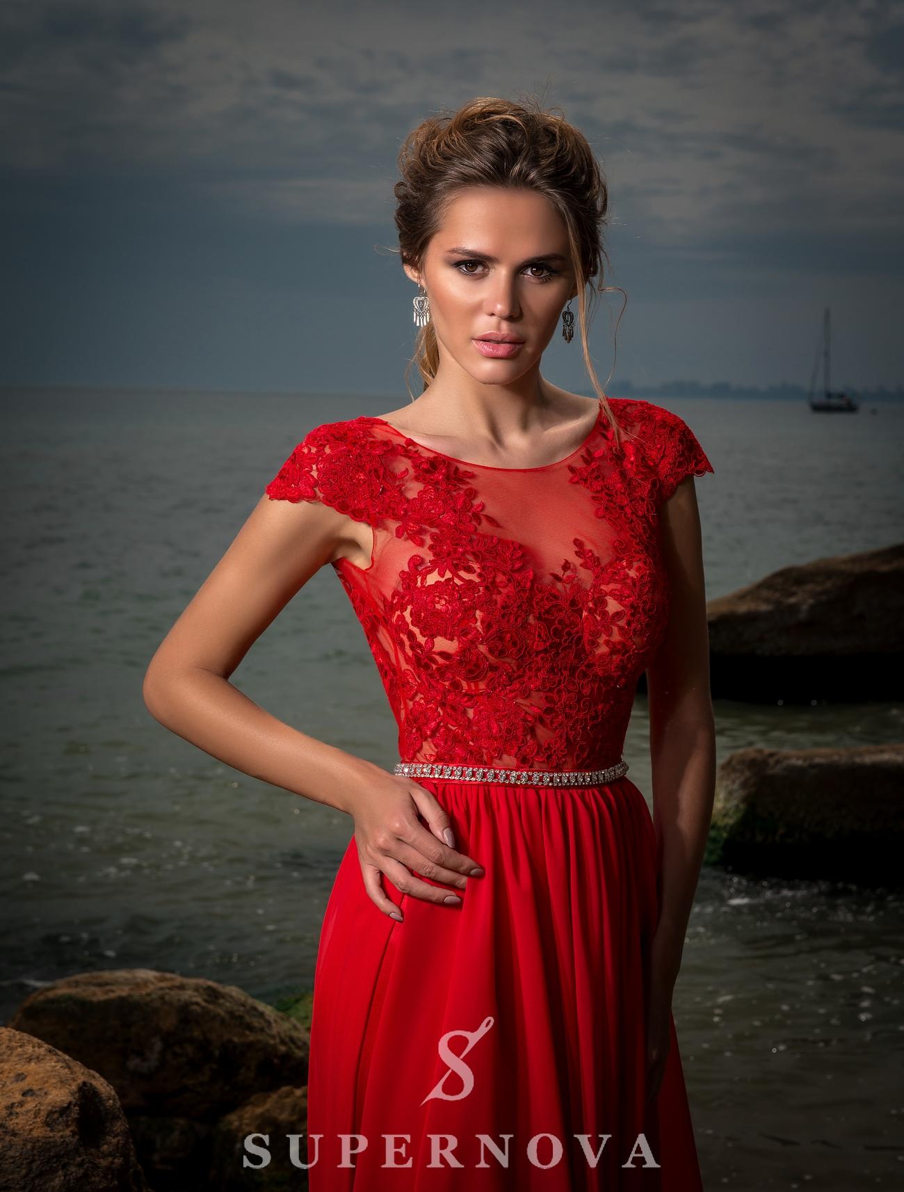 Вечернее платье c коротким рукавом-1