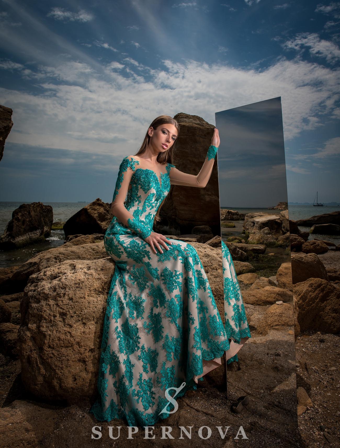 Вечернее платье с длинными рукавами-1