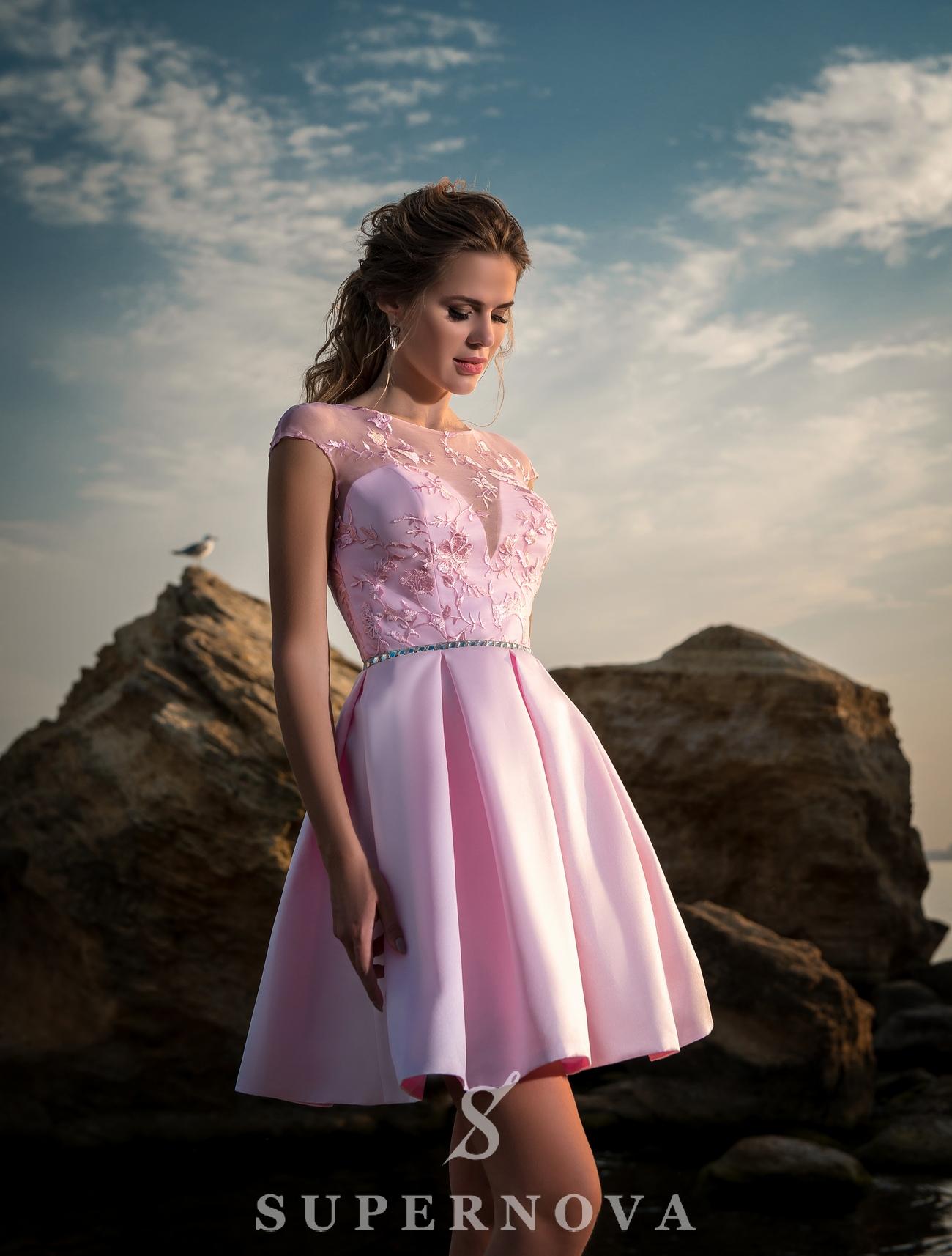 Вечернее платье с поясом из камня-1