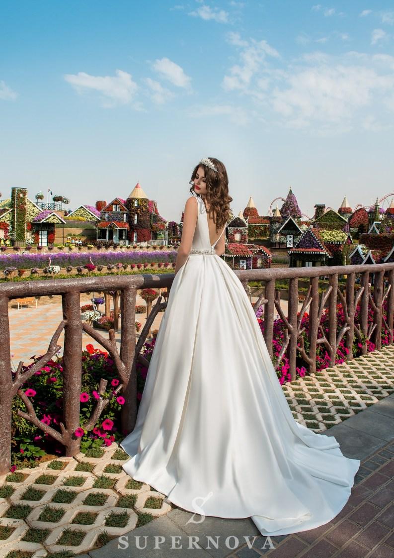 Свадебное платье на бретелях-3