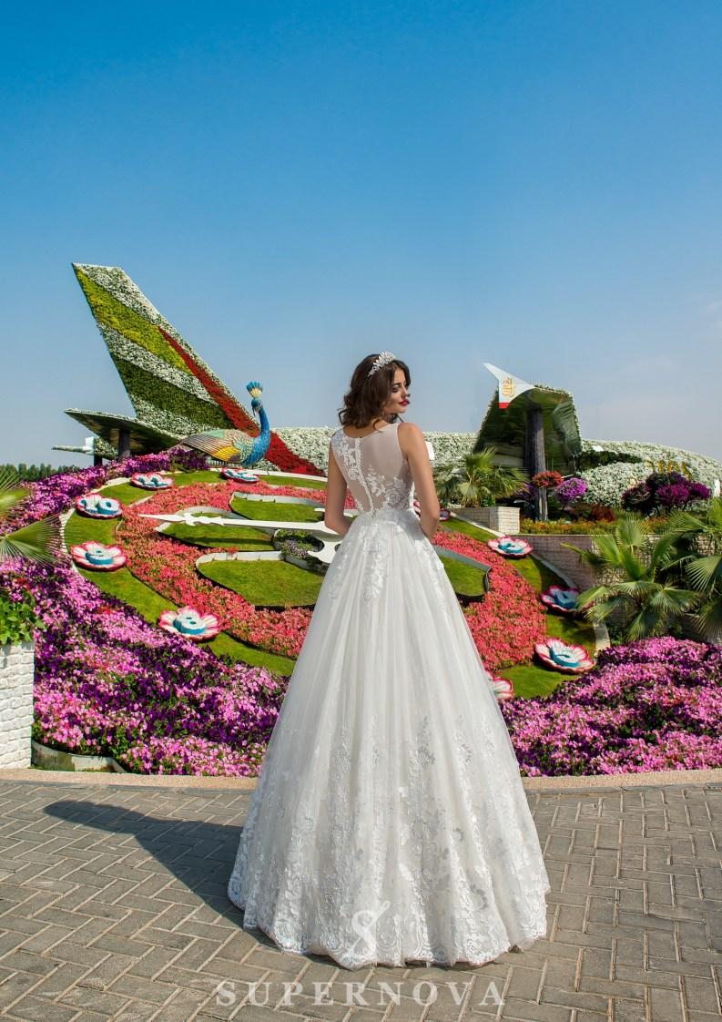 Свадебное платье с корсетом до талии-3