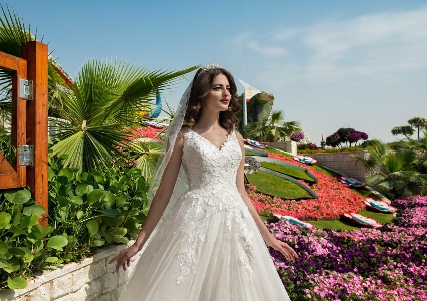 Свадебное платье с корсетом до талии-5