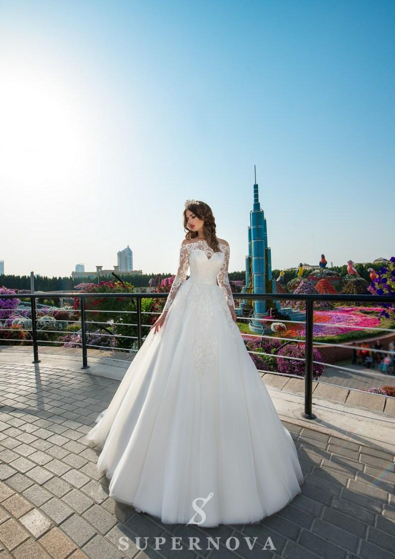 Свадебное платье из гипюра с кордом-3
