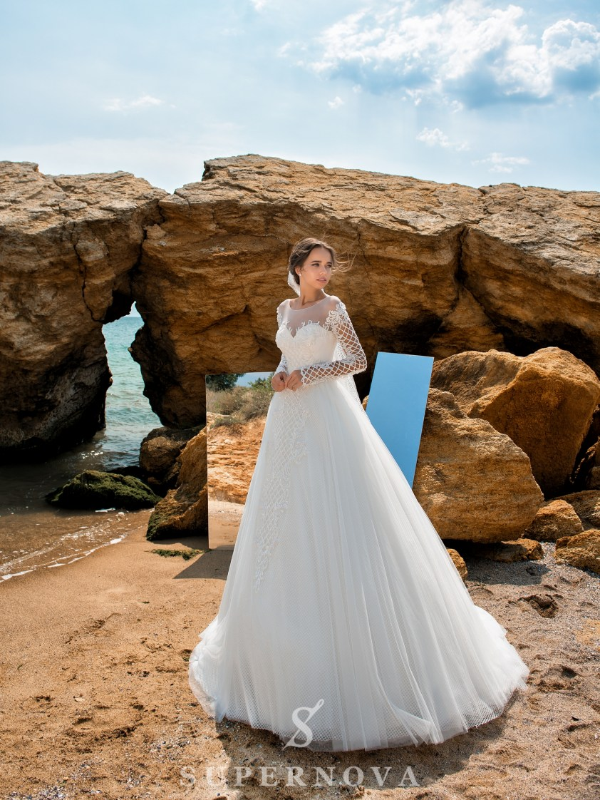 Wedding dress with low line of sleeves-2