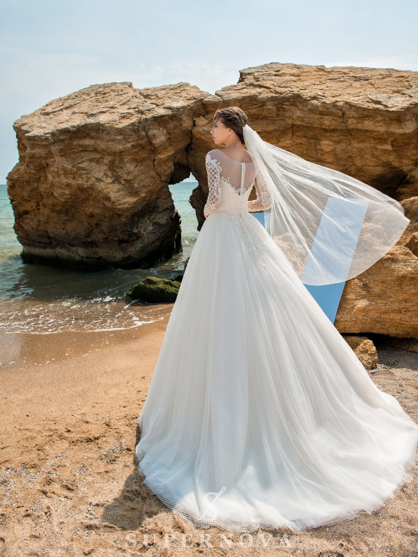 Wedding dress with low line of sleeves-3