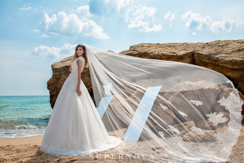 Wedding dress on a yoke with closed shoulders SN-027-PAULA