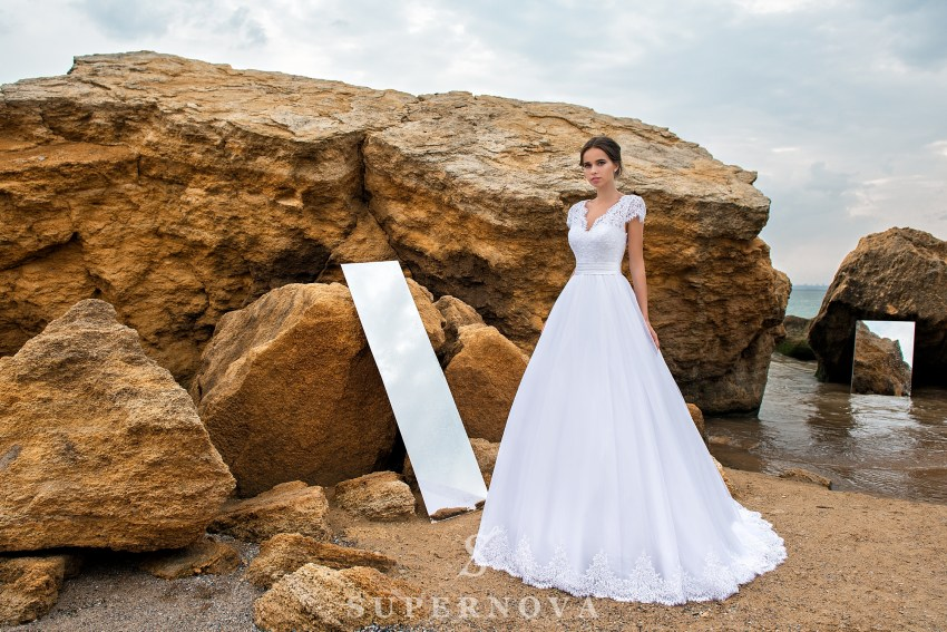 Wedding dress of lace with a cord SN-028-POLINA