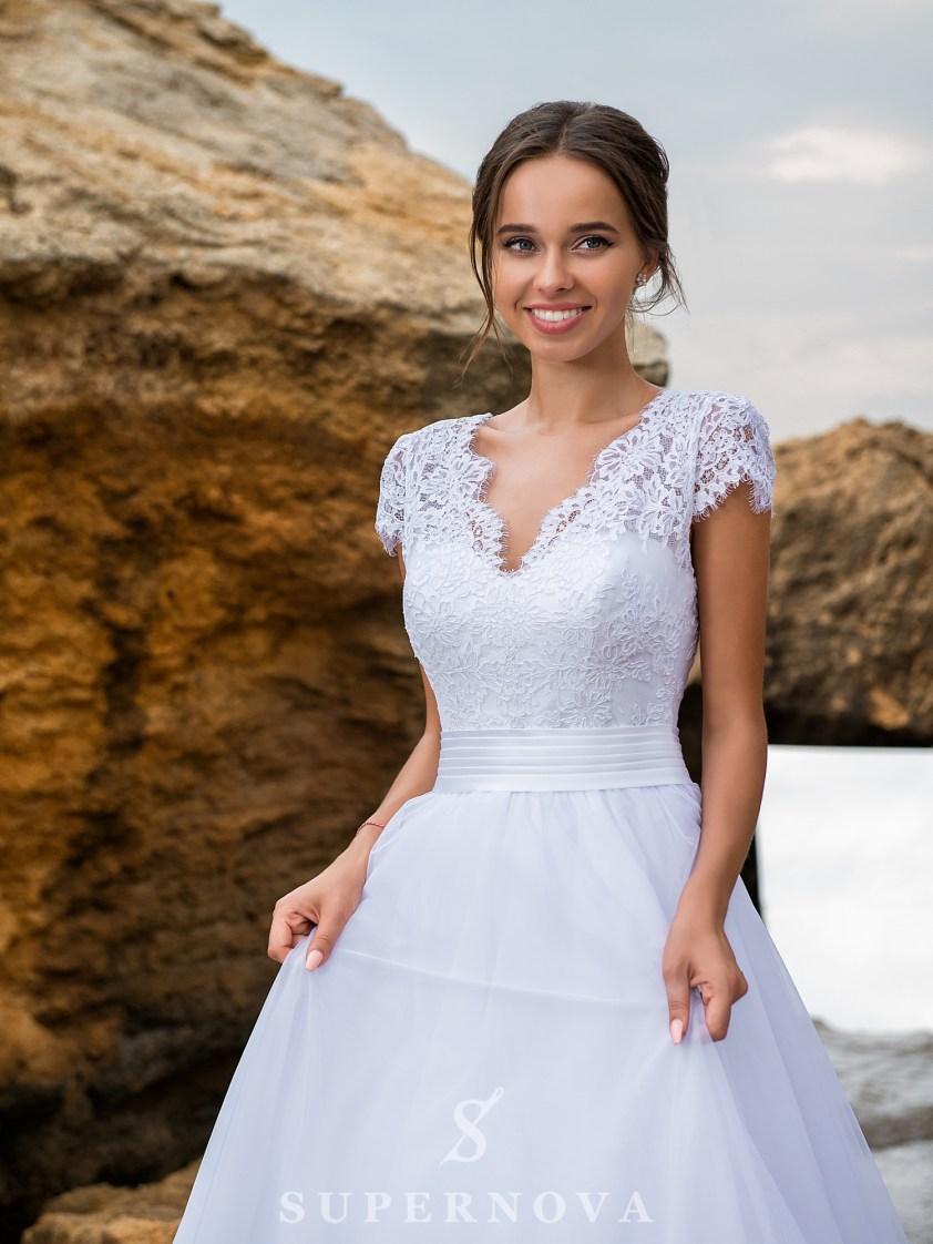 Весільна сукня з мережива з кордом-2