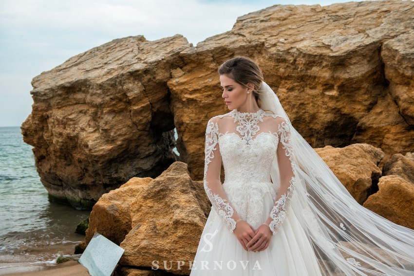 Wedding dress on a yoke with long sleeves SN-029-PERLA