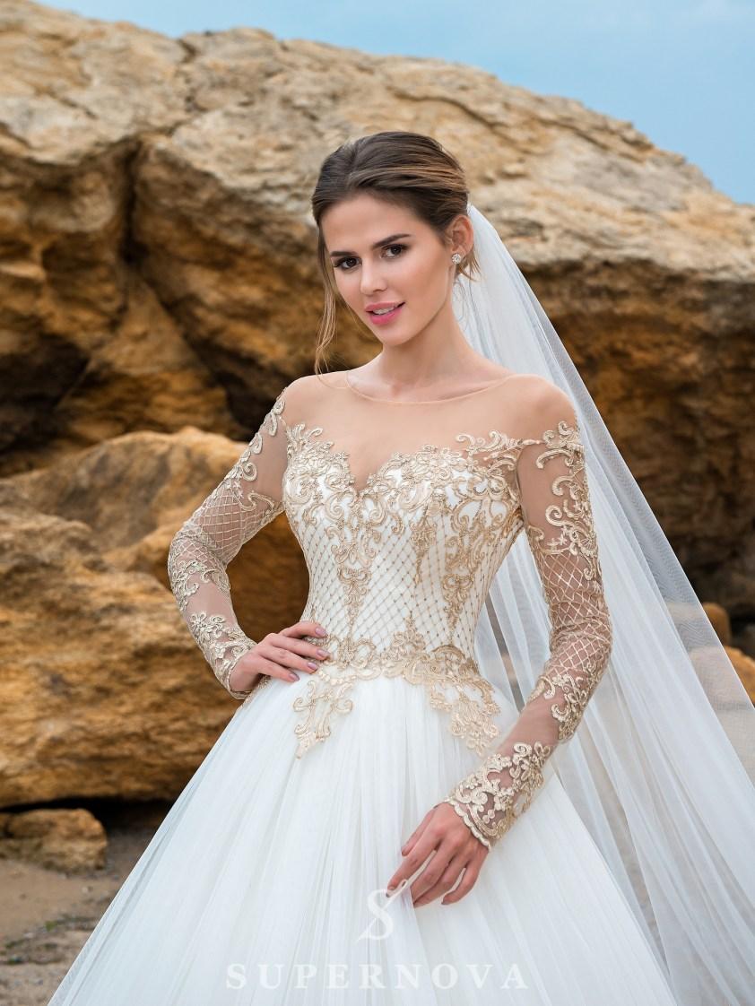 Cвадебное платье с длинными рукавами и пышной юбкой-2