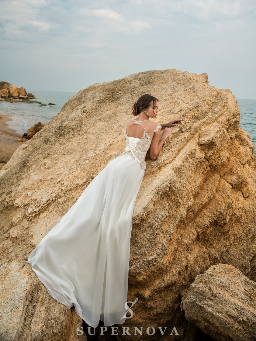 Свадебное платье с коротким лифом на кокетке-4
