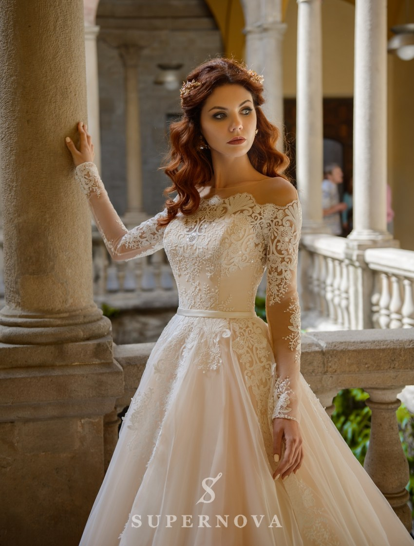 Wedding dress with open shoulders from SuperNova wholesale-3