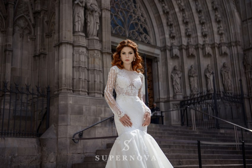 "Wedding dress  with ""fish"" silhouette  from SuperNova wholesale SN-062-Brenna"