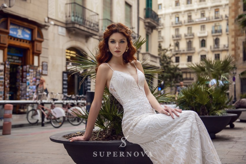 "Wedding dress ""Godet"" with a removable train from SuperNova wholesal SN-066-Bridget"