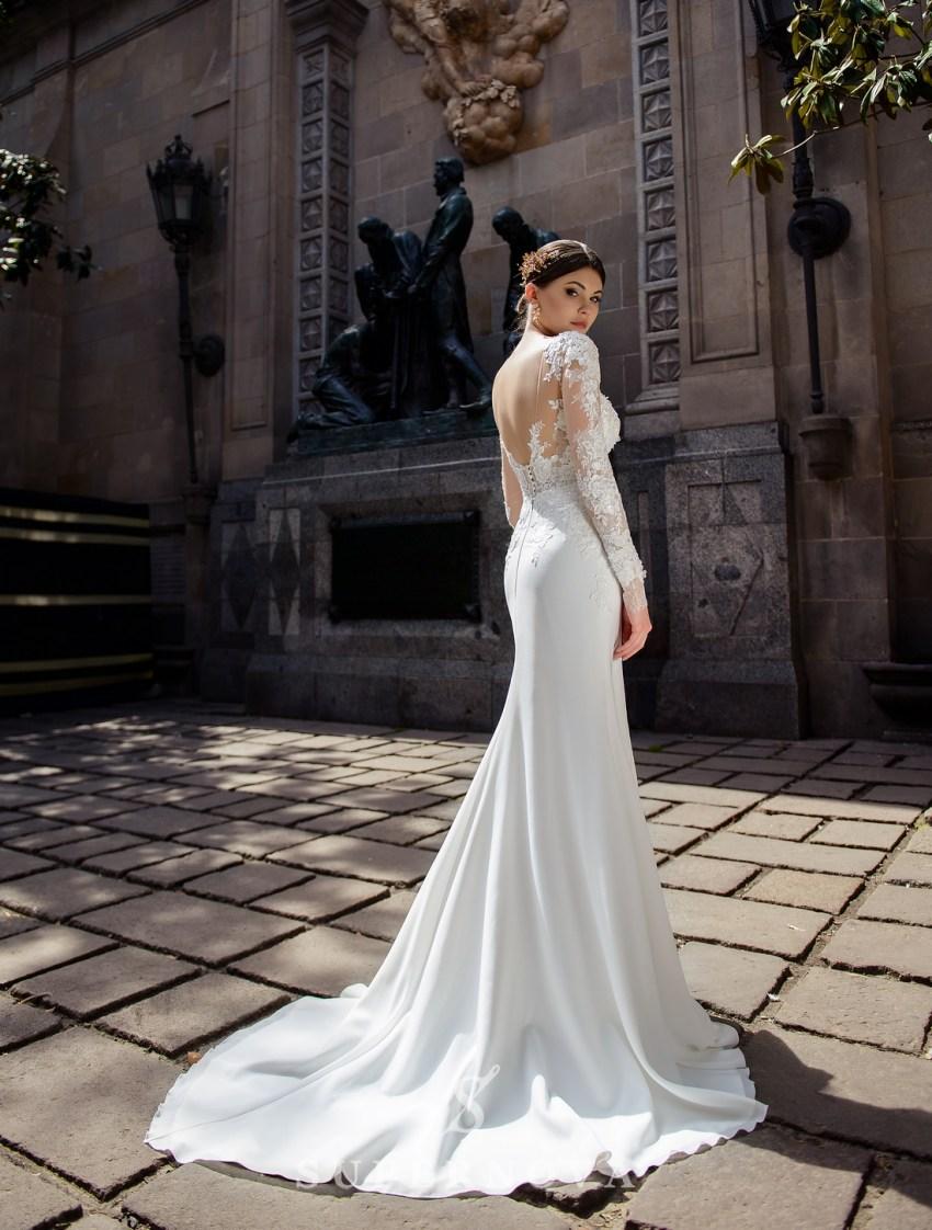 Свадебное платье с аппликациями  и мягкой юбкой-шлейф от Supernova оптом-2