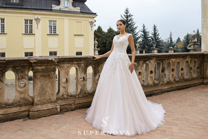 Wedding dress with a puffy skirt with a train on wholesale from SuperNova SN-078-Nikki