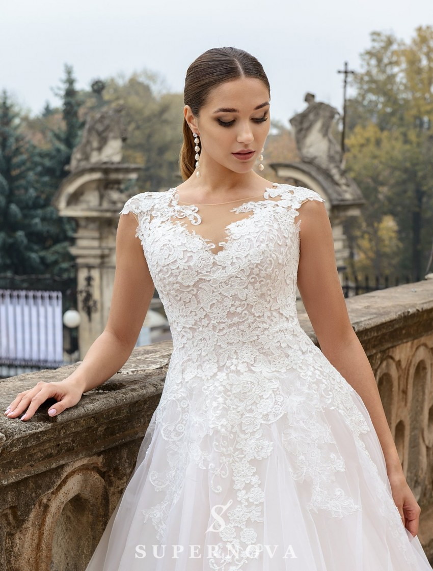 Wedding dress with a puffy skirt with a train on wholesale from SuperNova-2