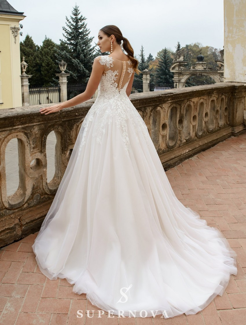 Wedding dress with a puffy skirt with a train on wholesale from SuperNova-3