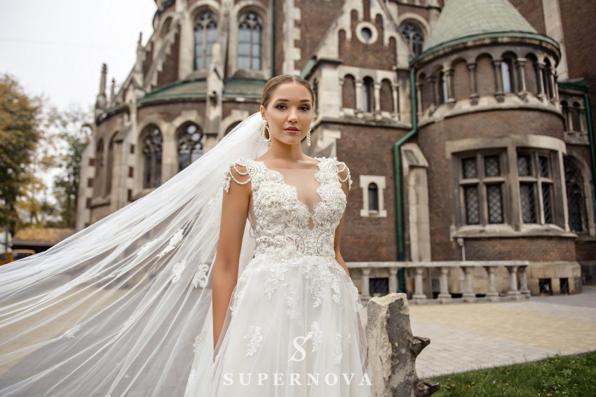 Wedding dress with a deep neckline on wholesale from SuperNova SN-084-Nana