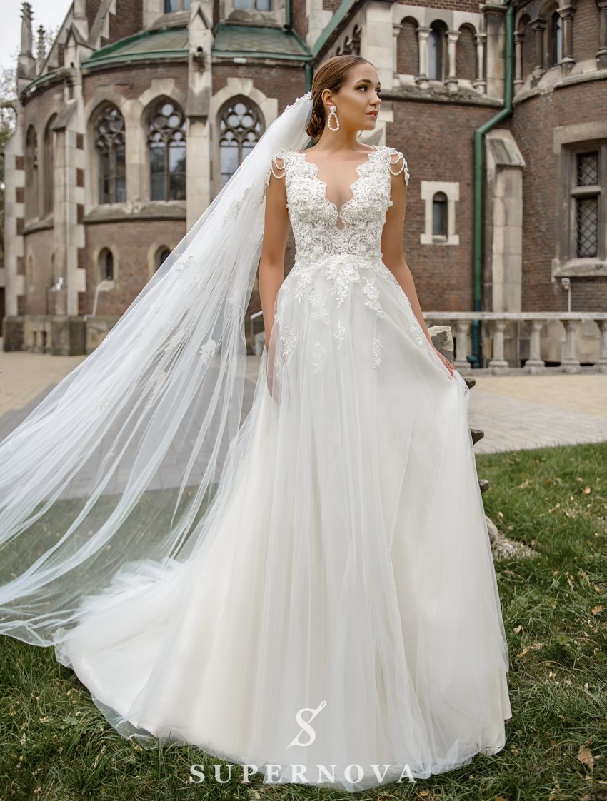 Wedding dress with a deep neckline on wholesale from SuperNova-2