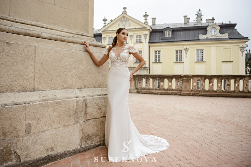 Wedding dress in godet style  with a soft skirt on wholesale from SuperNova SN-086-Nelly