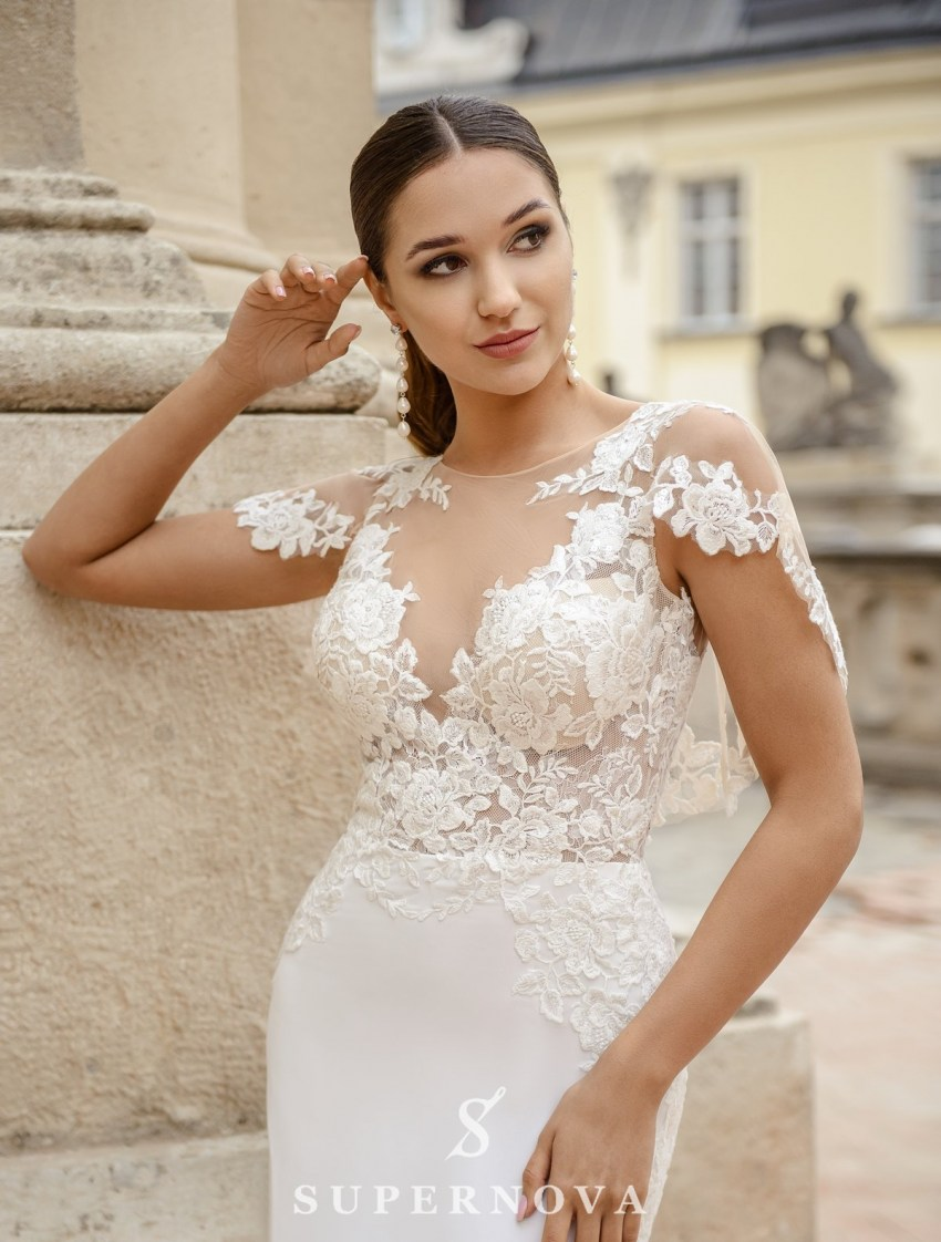 Wedding dress in godet style  with a soft skirt on wholesale from SuperNova-3