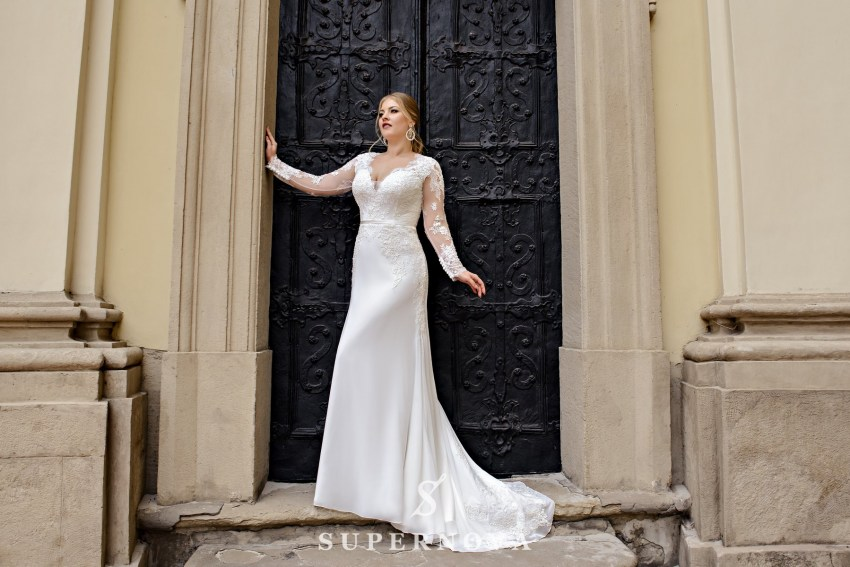 Plus size wedding dress with a soft skirt-train on wholesale from SuperNova-2