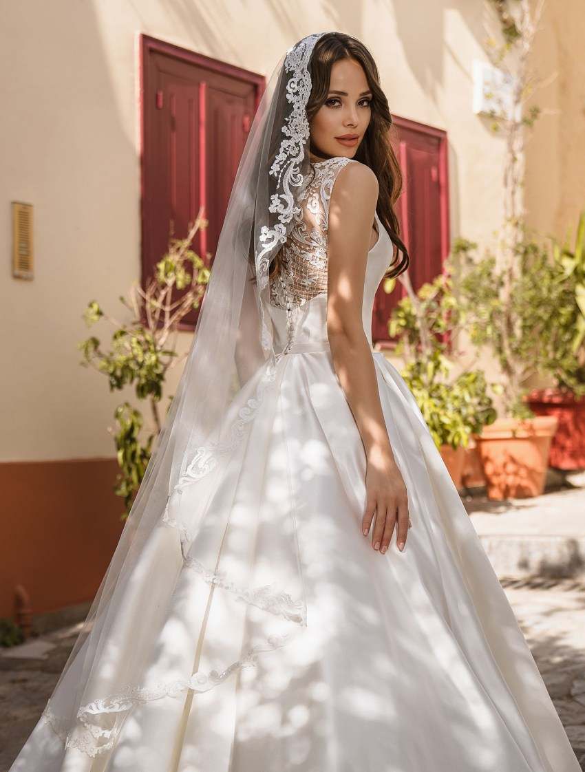 Wedding dress from Royal satin from Supernova wholesale-8