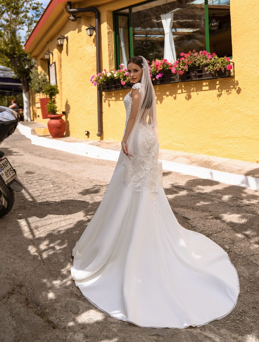 Buy wedding dress with asymmetry from TM Supernova wholesale-9