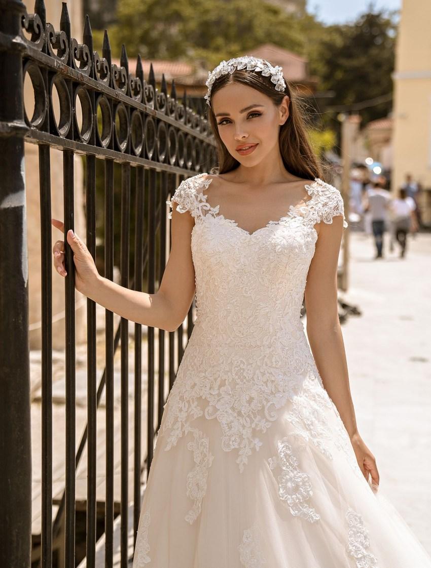 Свадебное платье на шнуровке от производителя Supernova оптом-6