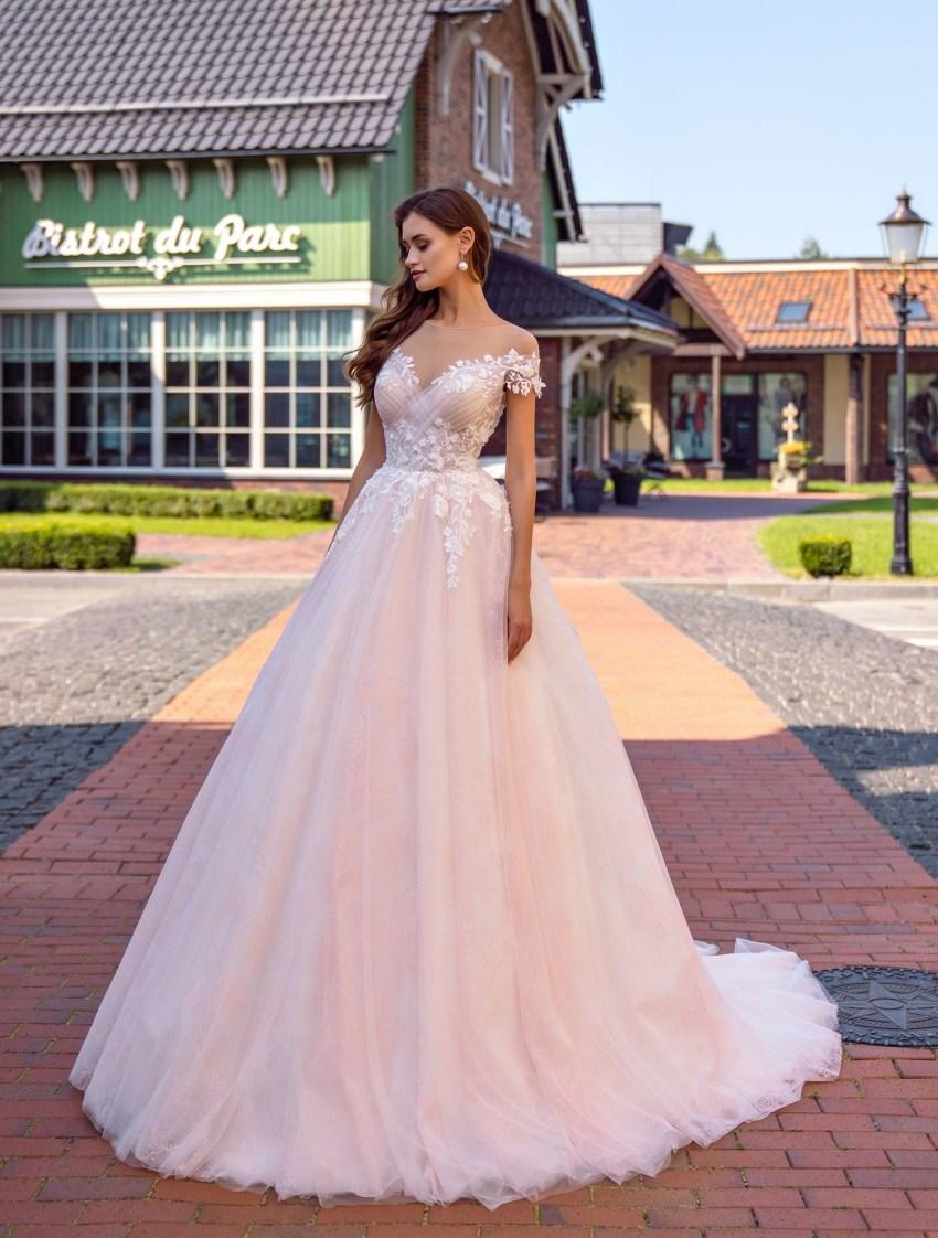 Весільна сукня з драпіруванням на ліфі оптом від Supernova-5