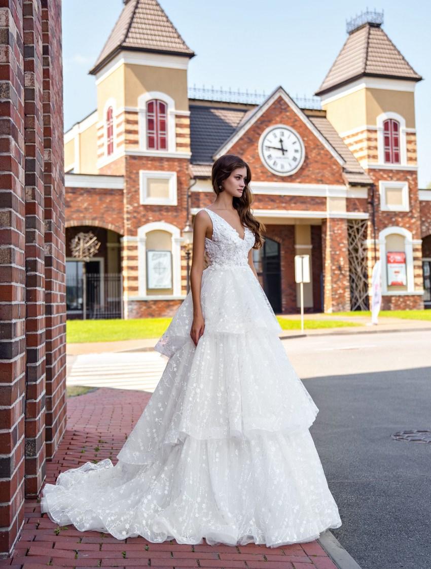 Весільна сукня з воланами оптом від Supernova-5