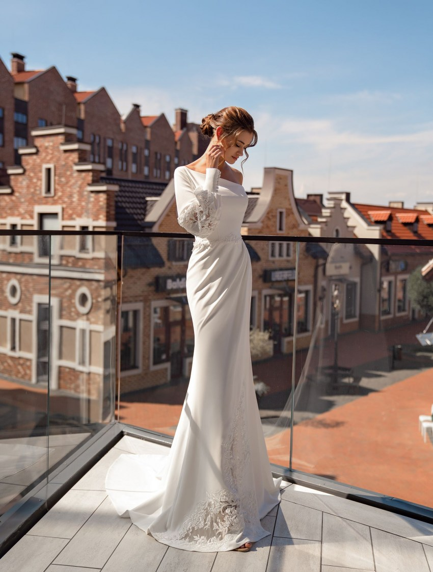 "Asymmetrical wedding dress ""godet"" wholesale from Supernova-9"