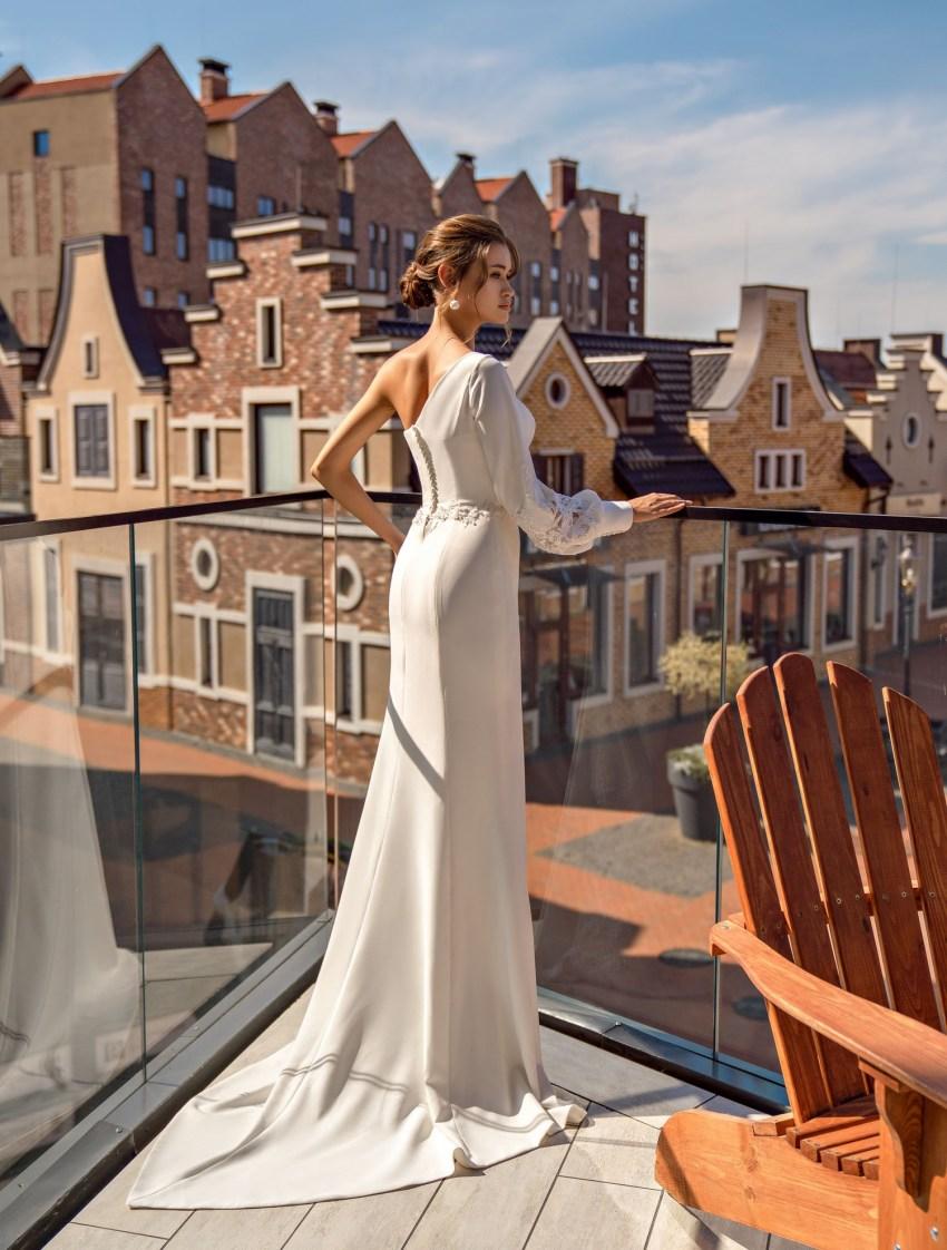 "Asymmetrical wedding dress ""godet"" wholesale from Supernova-10"