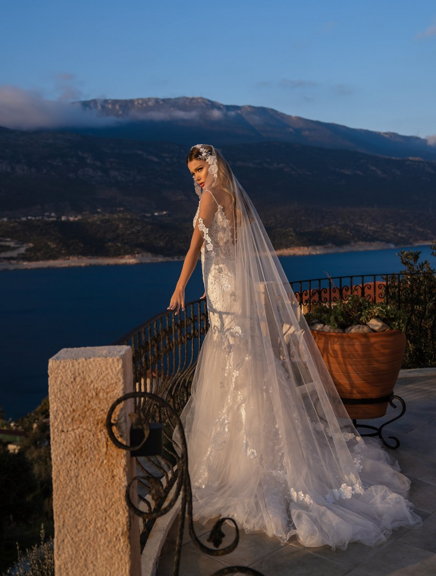Wholesale wedding dress with detachable train from Supernova-8