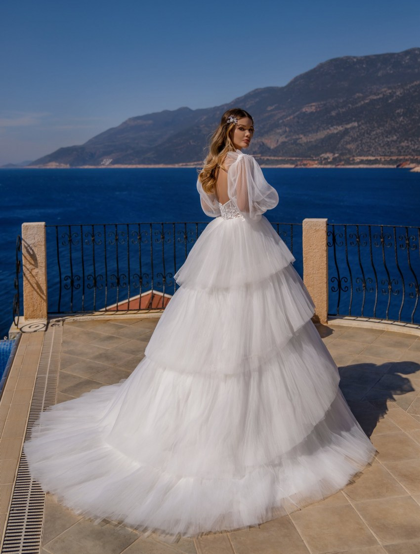 Wedding dress with a full skirt wholesale from Supernova-10