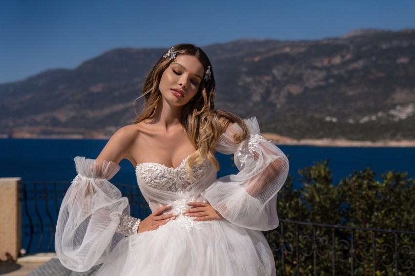 Весільна сукня з пишною спідницею оптом від Supernova-7