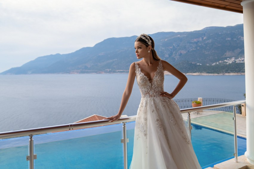 Wholesale strapless wedding dress from Supernova-5