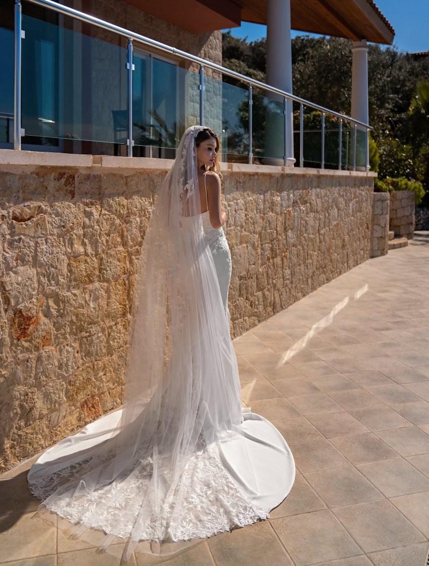 Весільна сукня на бретелях оптом від Supernova-10